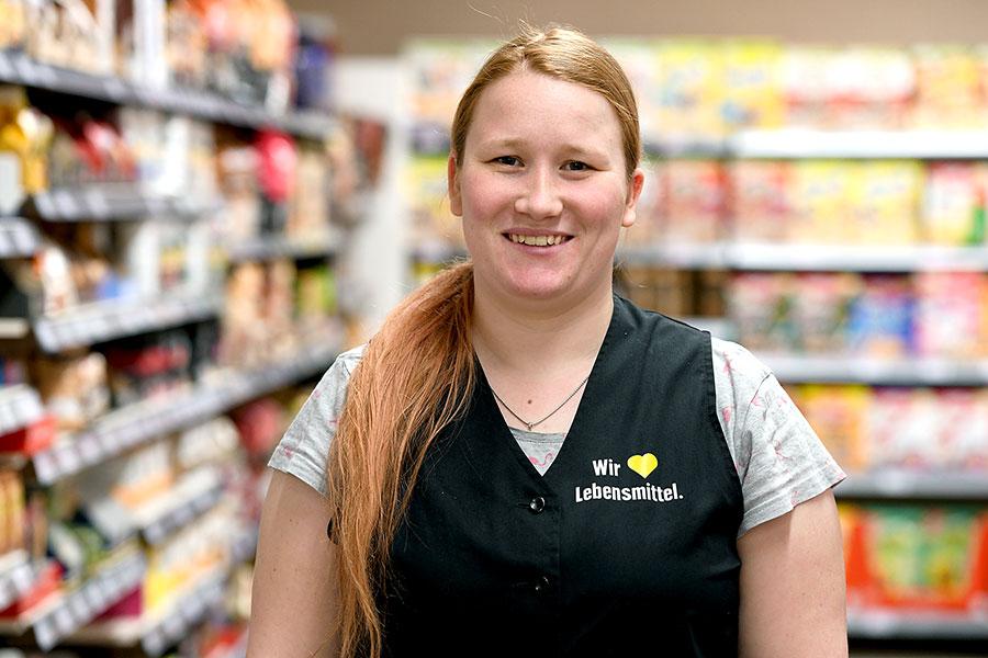Stellvertretende Marktleitung: Jenny Eder